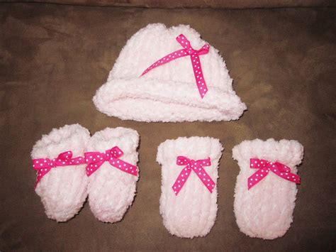 loom knit baby booties tricks of the trade loom knitting newborn baby hat