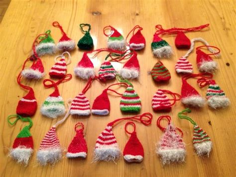 how to knit a tiny hat mini knitted santa hats images