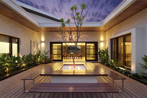 style house plans with interior courtyard this courtyard house has a semi classical approach in interior the architects diary