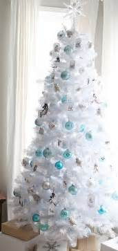 tree decorated white 33 chic white tree decor ideas digsdigs