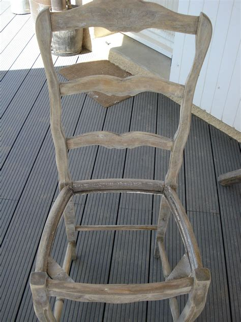comment relooker une chaise en paille cheap chaise paille peint blanc with comment relooker une