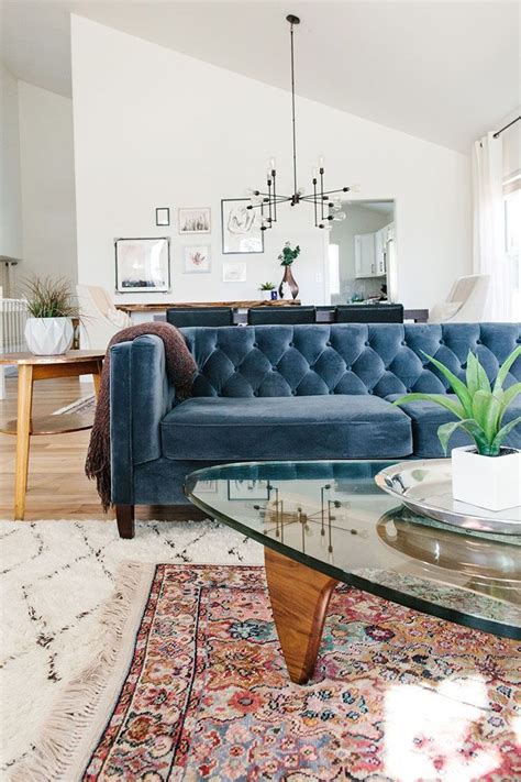 blue couches living rooms best 25 blue couches ideas on navy