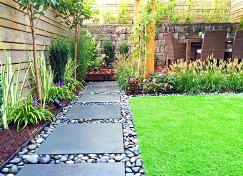 small backyard landscape design ideas best 25 modern backyard ideas on modern fence