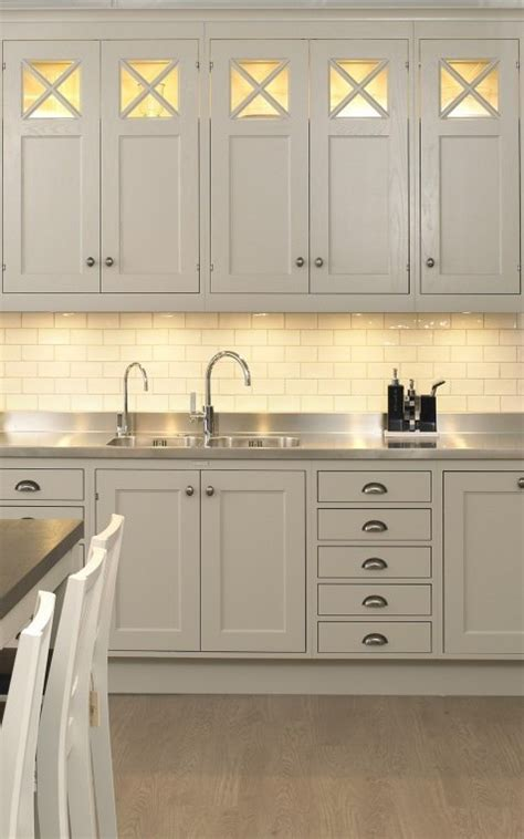 kitchen cabinet light ingenious kitchen cabinet lighting solutions