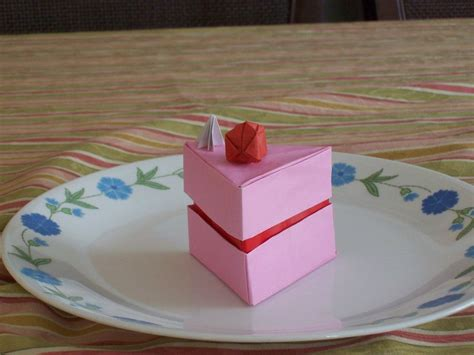 cake origami origami cake box by thefifthhorizon on deviantart