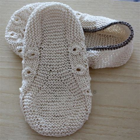how to knit booties for adults 345 best images about knitted crocheted slippers toes on