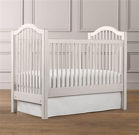 spindle baby cribs antique spindle crib favething