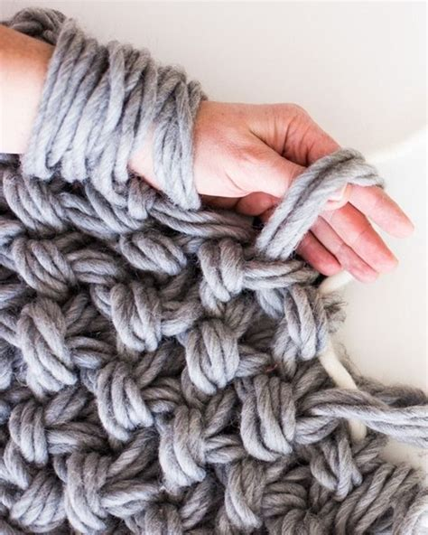 best yarn for arm knitting best 25 knitting ideas on arm knitting