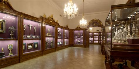 How To Read Floor Plans kaiserliche schatzkammer wien collections