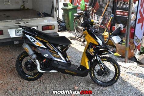 Modifikasi Vespa Ban Ukuran 17 by Bengkel Modifikasi Motor Di Bandung