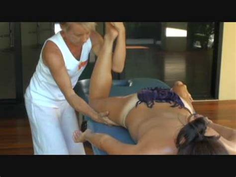 cam erotica gratis hawaiian lomi lomi kahuna massage training essential