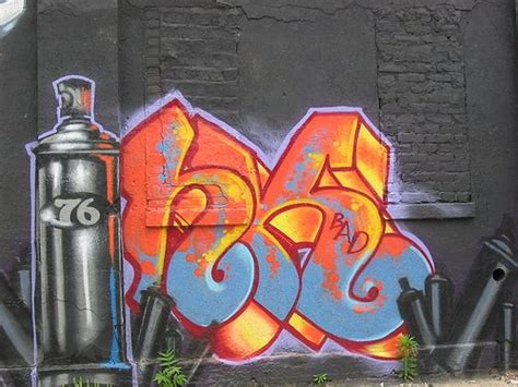 spray paint wall graffiti graffiti spray paint gt gt wall boombing