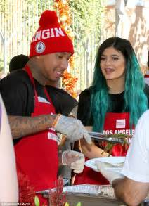 kylie jenner shares happy thanksgiving snap of her