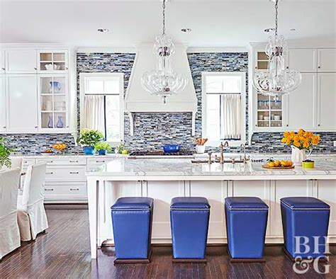 pictures of kitchen backsplashes with tile 17 kitchens with stealing backsplashes