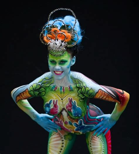 festival painting dunia 2013 world bodypainting chion painting artist riina