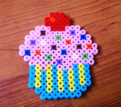 perler cupcake pin cupcake perler bead pattern sprites food fuse patterns