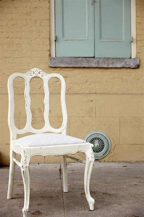 chalk paint new orleans 1000 ideas about white chalk paint on