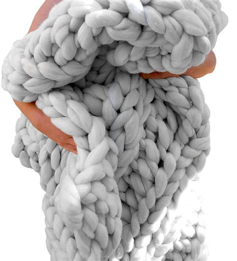 how to knit chunky blanket 25 best ideas about chunky knit blankets on