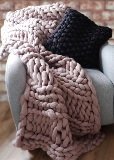 how to knit chunky blanket 1000 ideas about chunky knit blankets on
