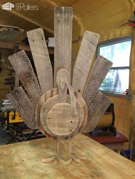 pallet craft projects 15 terrific pallet thanksgiving craft ideas pallet ideas