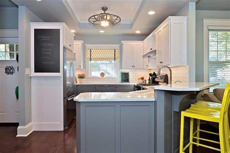 paint colors for the kitchen kitchen color schemes avoiding kitschy colors