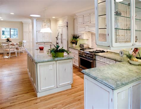 white distressed kitchen cabinets how to paint kitchen cabinets distressed white