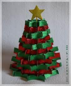 manualidades para arbol de navidad arbolito de navidad con material reciclado manualidades