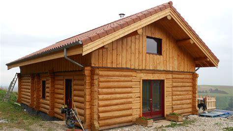 chalets en rondins saturateur huile ou vitrificateur entretien du bois le du comptoir
