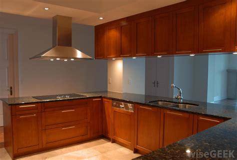 best cabinet kitchen lighting how do i choose the best kitchen cabinet lighting