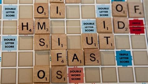 is re a scrabble word how to score big with simple 2 letter words in scrabble