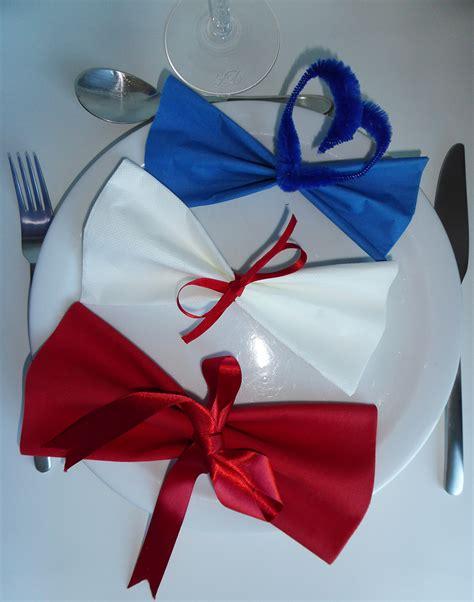 pliage de serviette de table en forme de noeud papillon r 233 aliser un noeud papillon avec une