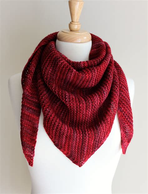 free triangle scarf knitting pattern free knitting patterns truly triangular scarf
