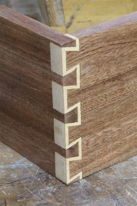 woodworking dovetail how to make inlay dovetails doovi