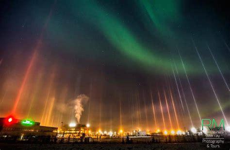 light pillars cold weather phenomenon displaying beautiful light pillars