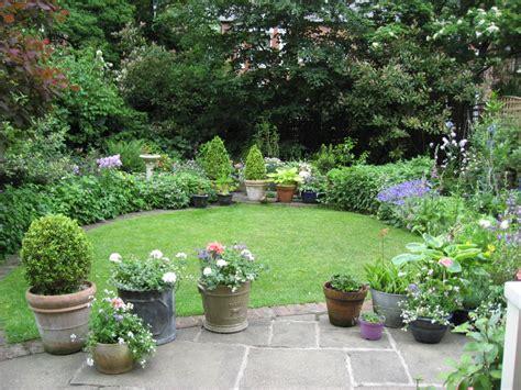 medium sized garden ideas medium sized garden ideas garden designs for medium