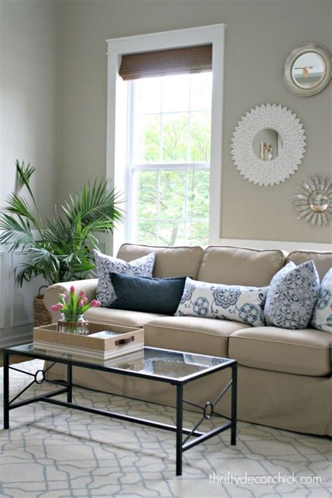 paint color for living room with beige furniture 25 best ideas about beige sofa on beige