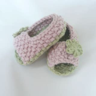 knitted baby sandals free pattern ravelry baby peeptoe sandals pattern by katy farrell