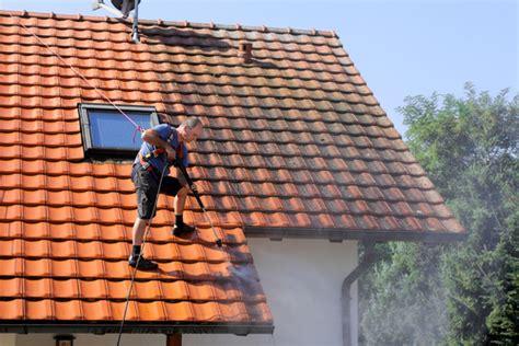 nettoyage toiture comment s y prendre et quelles sont les r 232 gles monequerre fr