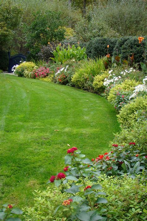 garden flower borders an october flower border fall garden inspiration