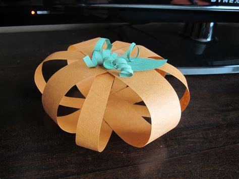 easy crafts with construction paper giftsofgab easy peasy crafts decor