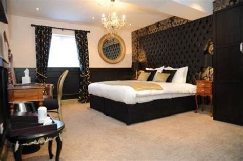 black and gold bedroom ideas black and gold bedroom design the interior design