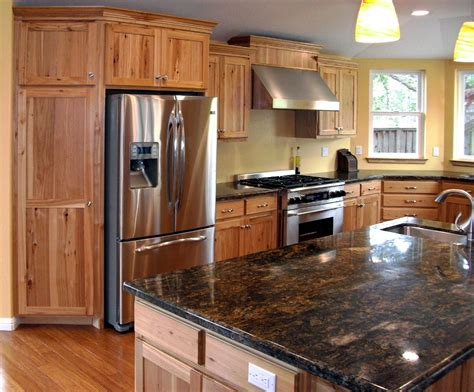 paint colors for kitchen with hickory cabinets rh1