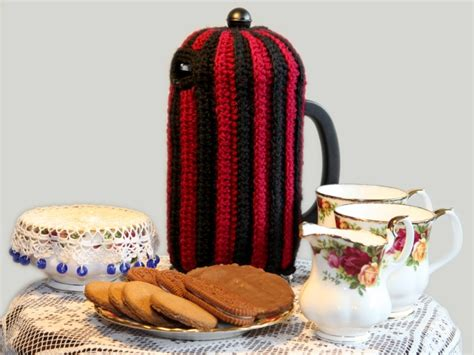 coffee pot cosy knitting pattern coffee plunger cozy finally a way to keep that coffee