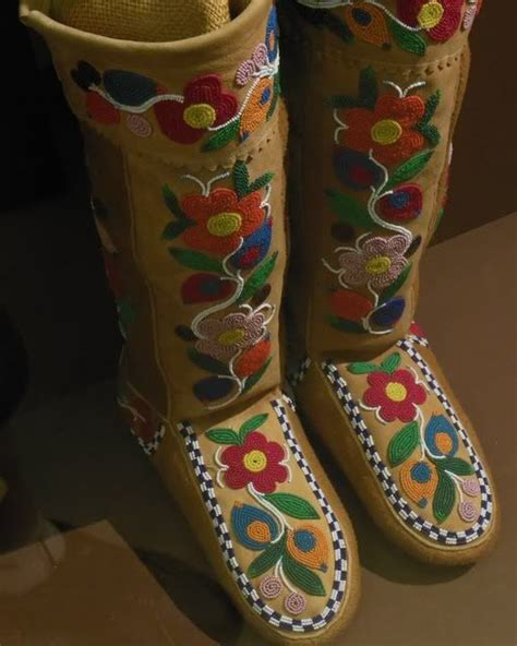 moccasin beading designs 188 best images about moccasins wrap arounds