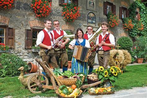 festival austria austrian harvest festivals thanksgiving 2014