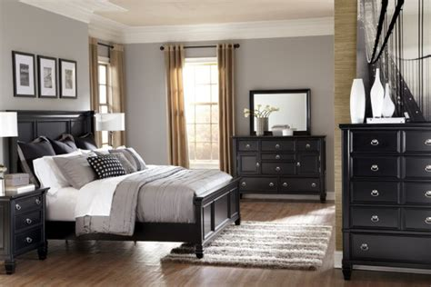pictures of bedrooms with black furniture black furniture bedroom new home interior design ideas