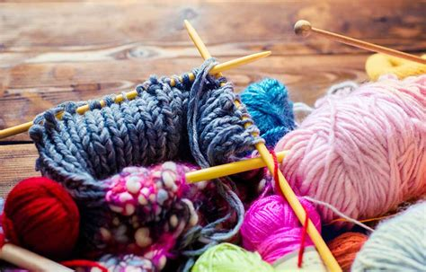how to fix a dropped knit stitch knitting how to fix a dropped garter stitch better