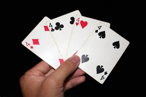 File:4 playing cards   Wikimedia Commons