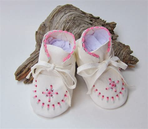 beaded baby moccasins pink beaded baby moccasins infant booties white