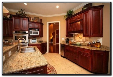 kitchen paint colors with cherry cabinets 1000 ideas about cherry wood kitchens on